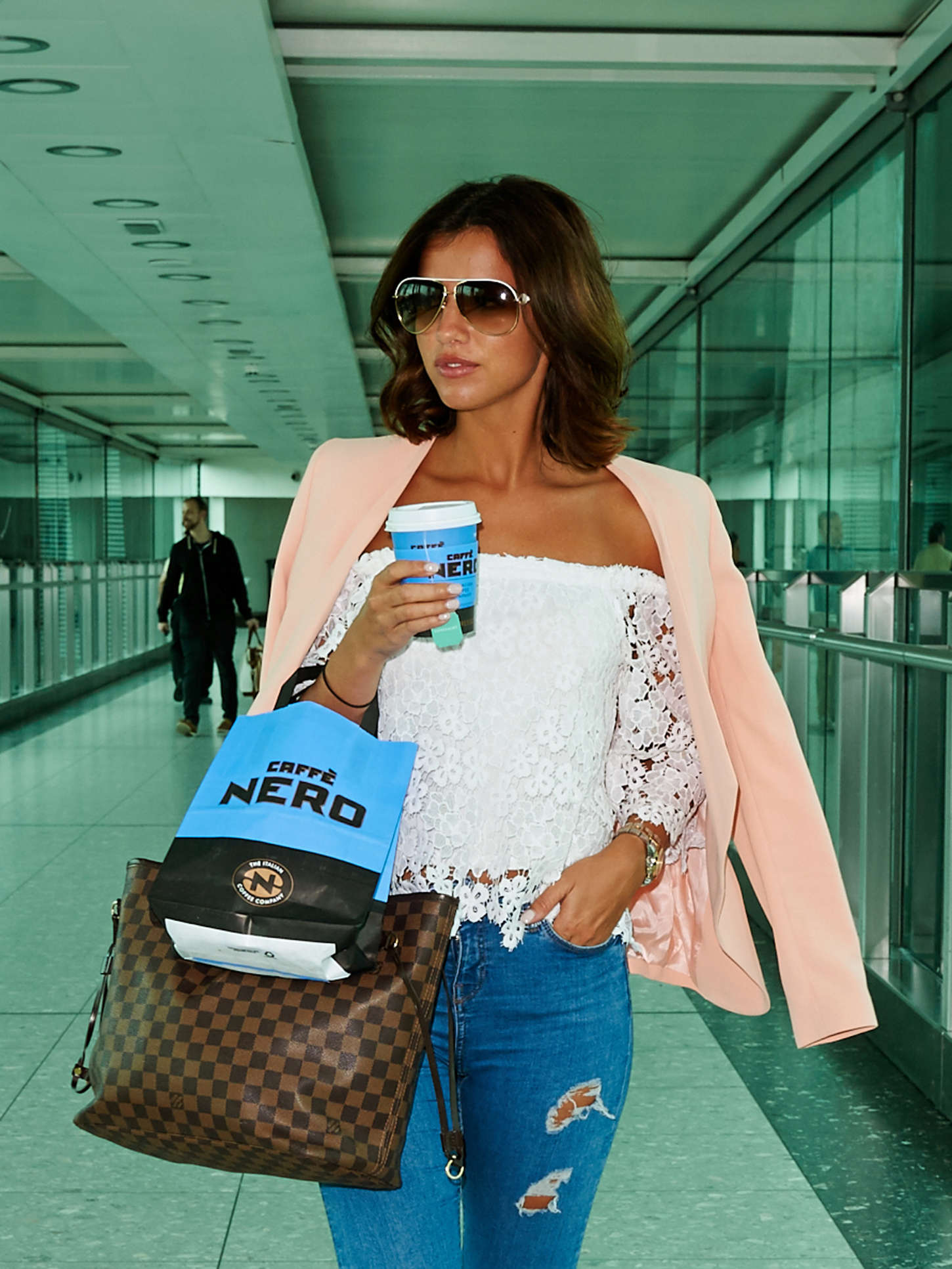 Lucy Mecklenburgh 2015 : Lucy Mecklenburgh at Heathrow Airport -02