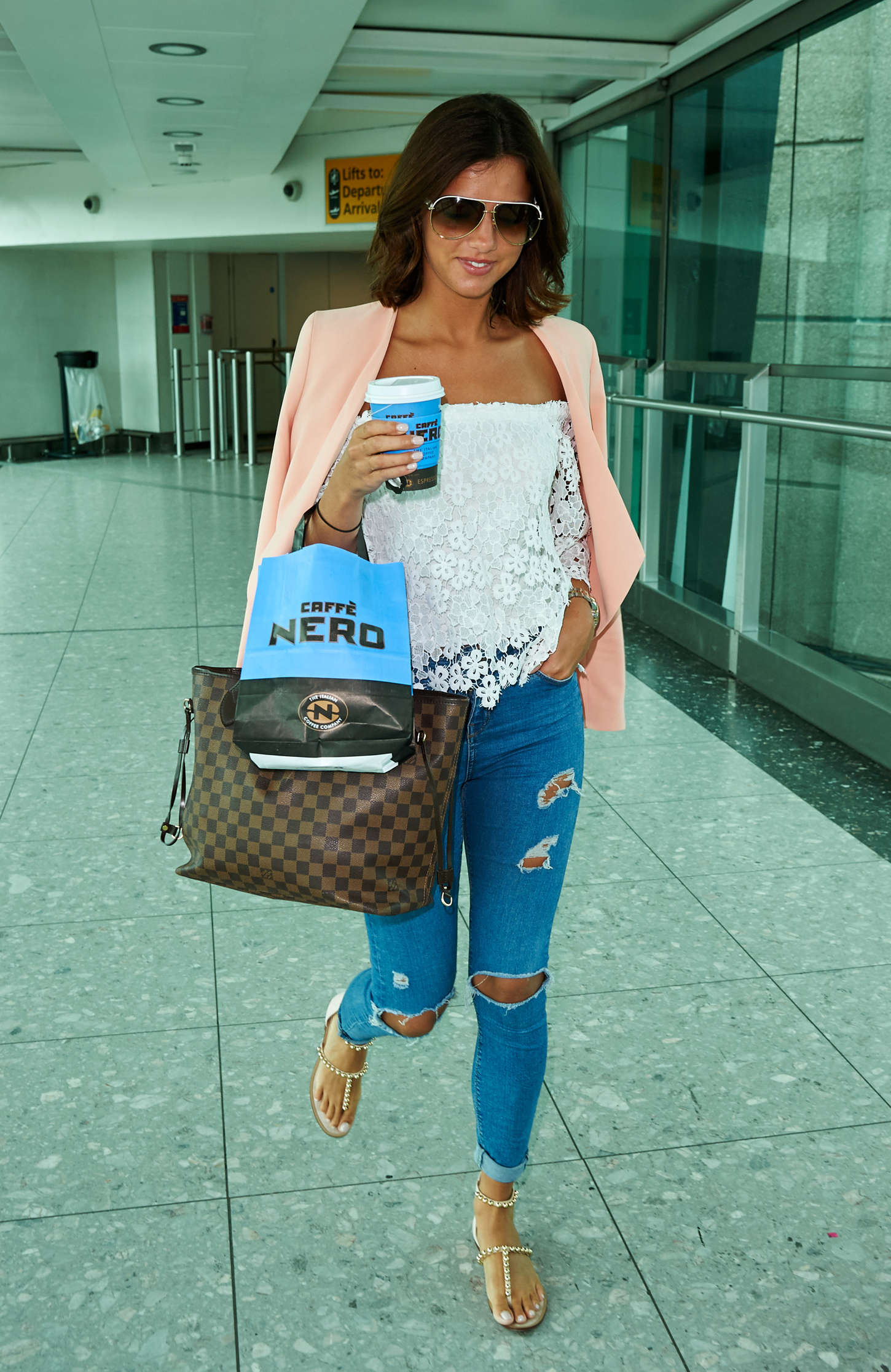 Lucy Mecklenburgh 2015 : Lucy Mecklenburgh at Heathrow Airport -07