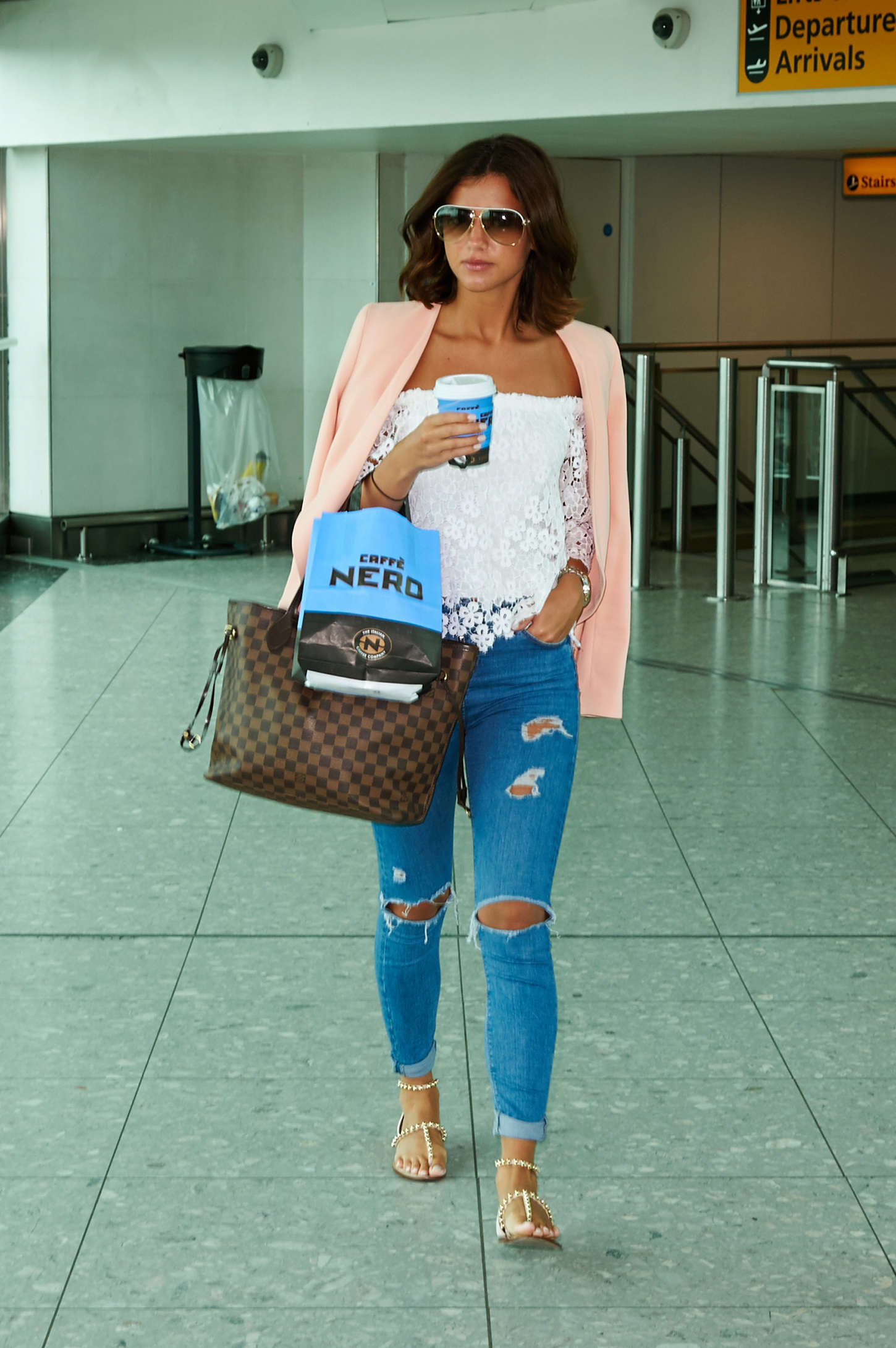 Lucy Mecklenburgh 2015 : Lucy Mecklenburgh at Heathrow Airport -10