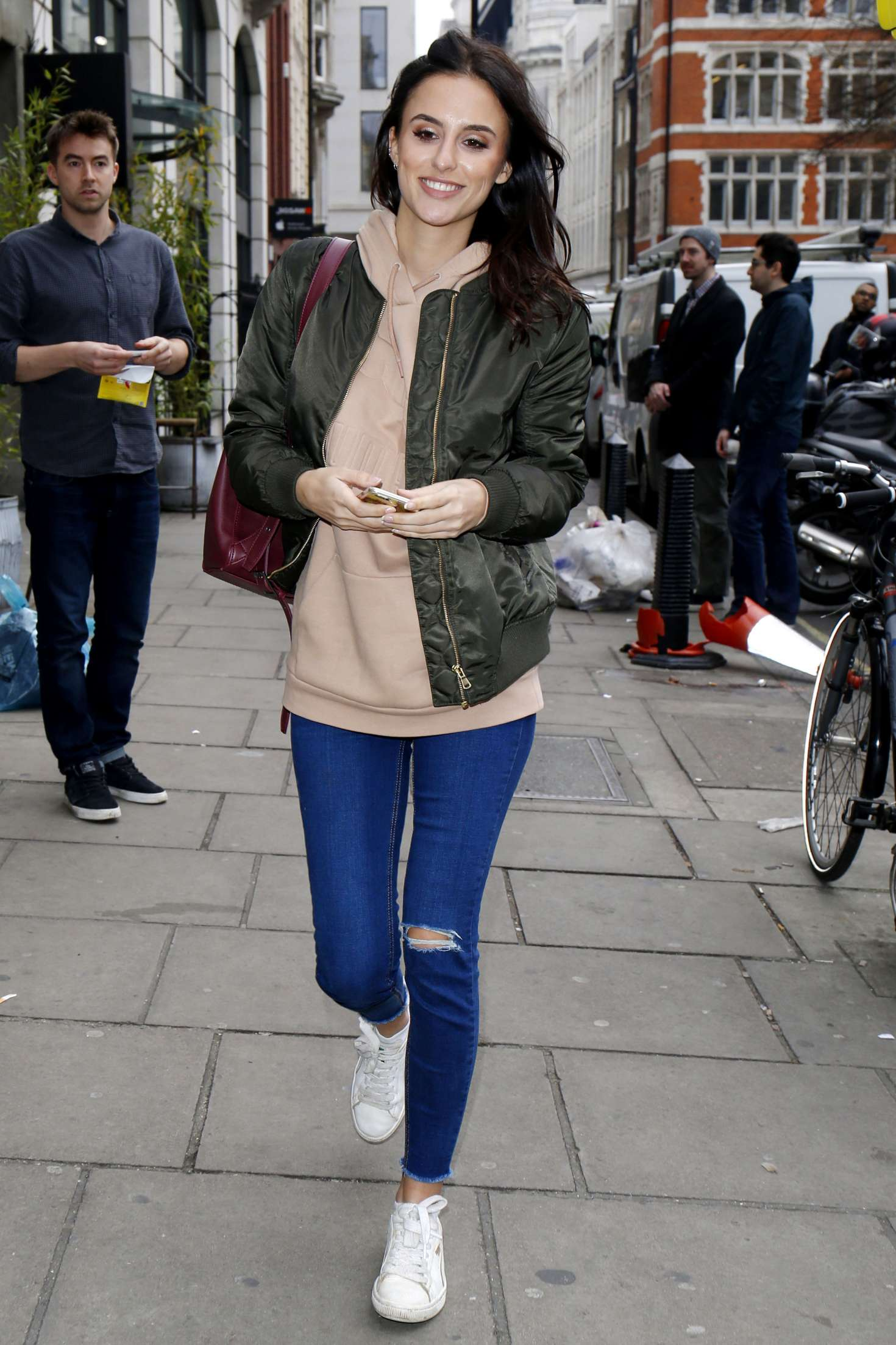Lucy-Watson-out-and-about-in-London--04.