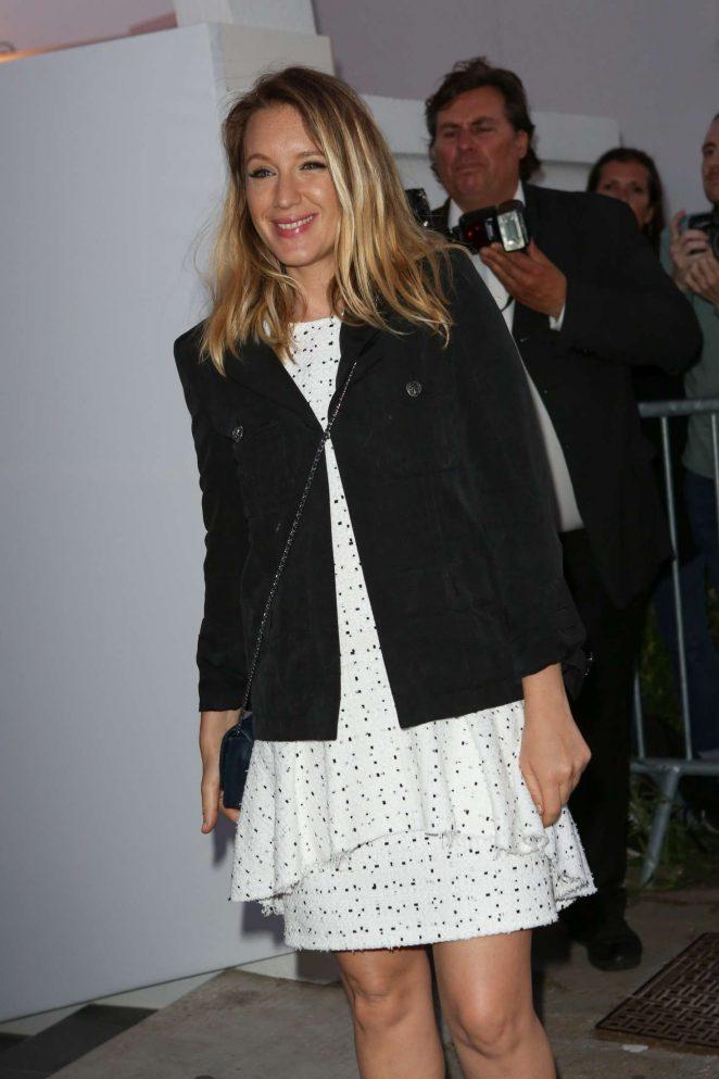 Ludivine Sagnier Arriving at Chanel dinner in Cannes -02