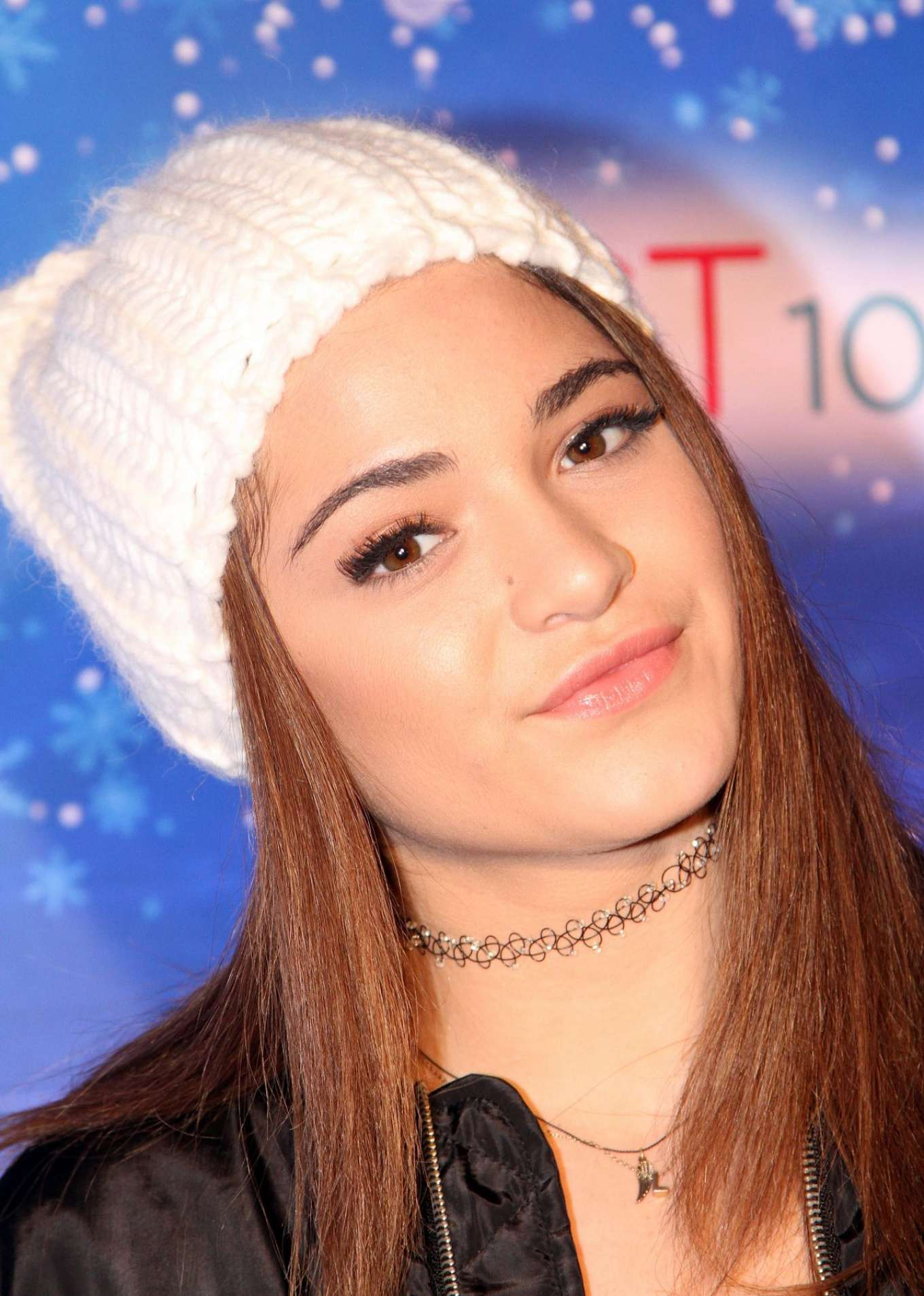 Luna blaise – the queen mary's chill tree lighting ceremony in ...