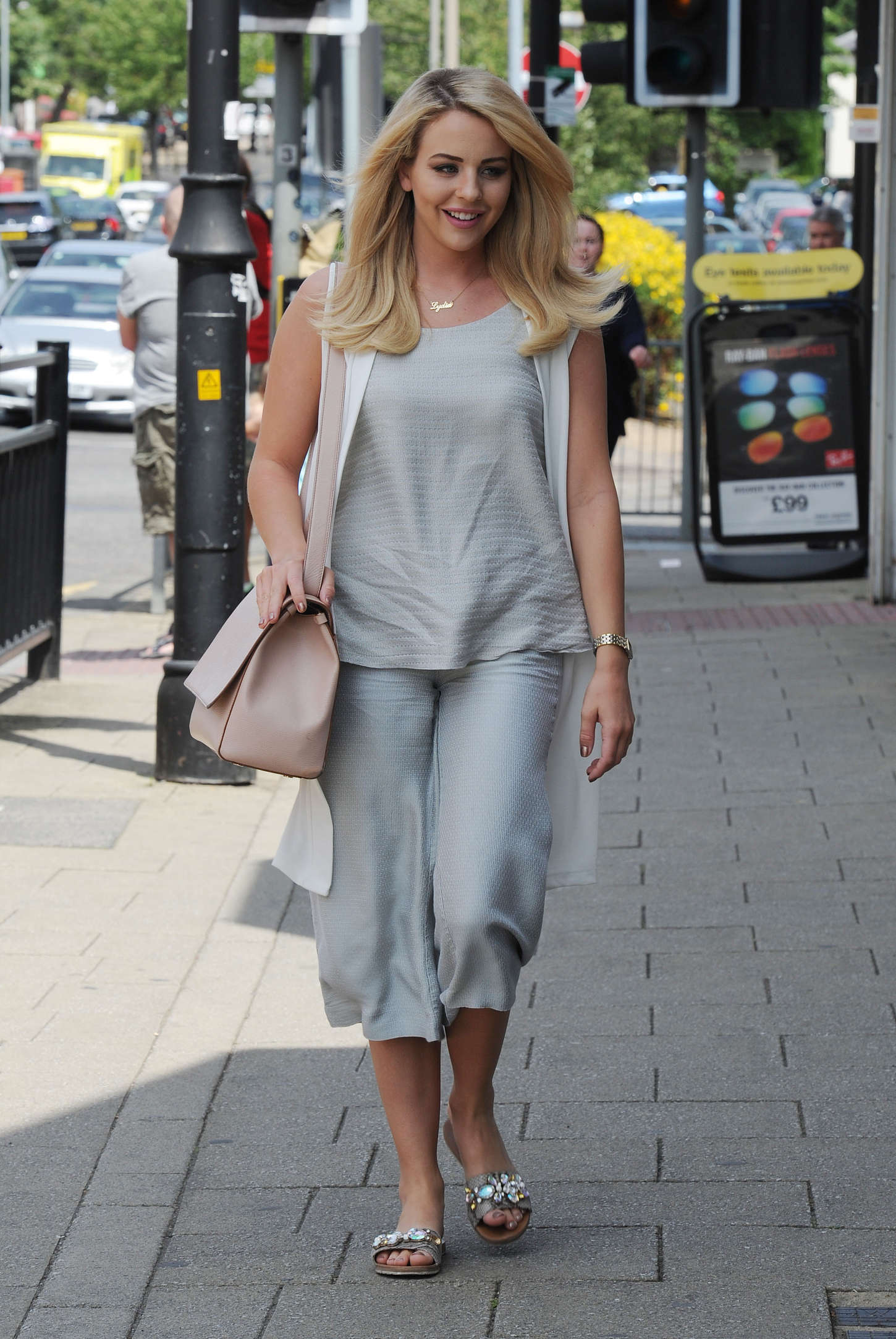 Feet Lydia Bright naked (96 photo), Topless, Leaked, Twitter, cleavage 2020