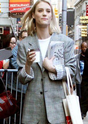 Mackenzie Davis - Arrives at 'Good Morning America' in New York