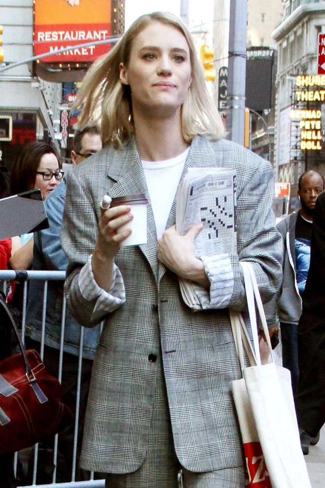 Mackenzie Davis - Arrives at 'Good Morning America' in New York