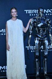 Mackenzie Davis - Possing at Terminator: Dark Fate premiere in Mexico City