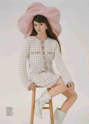 Mackenzie Foy - Glamour Spain Magazine (October 2018)