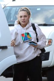 Maddie Ziegler - Arrives at Sydney International Airport
