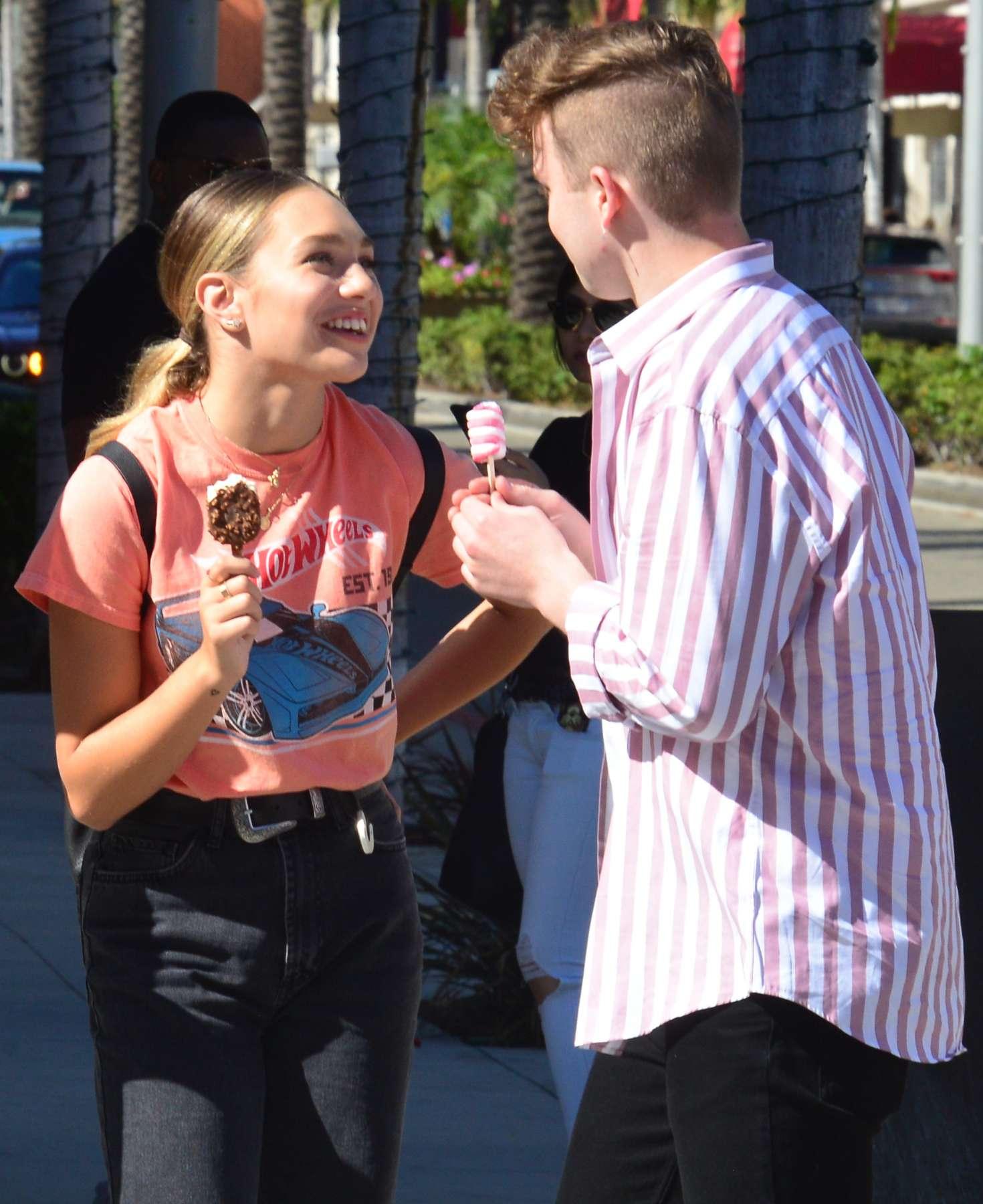 Maddie Ziegler 2018 : Maddie Ziegler at Rodeo Drive in Beverly Hills -01