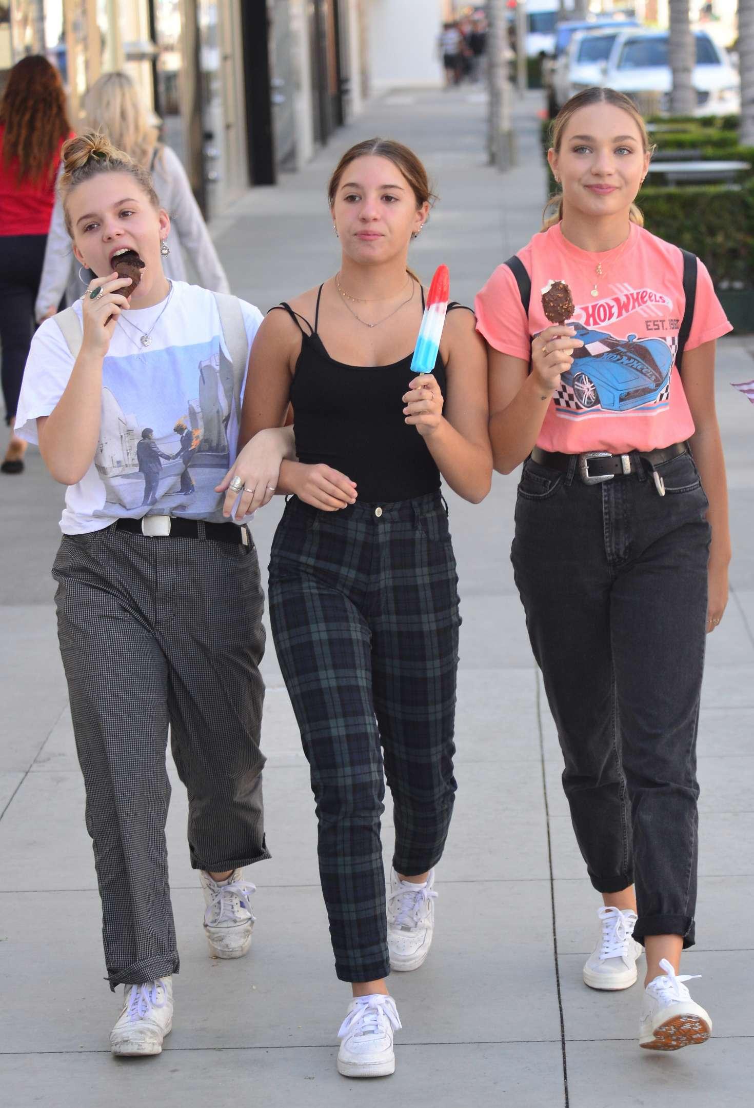 Maddie Ziegler 2018 : Maddie Ziegler at Rodeo Drive in Beverly Hills -06