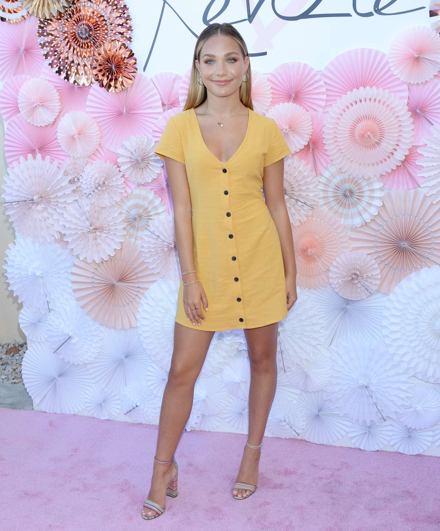 Maddie Ziegler 2018 : Maddie Ziegler: Mackenzie Ziegler Launches New BeautyLine Love Kenzie -08