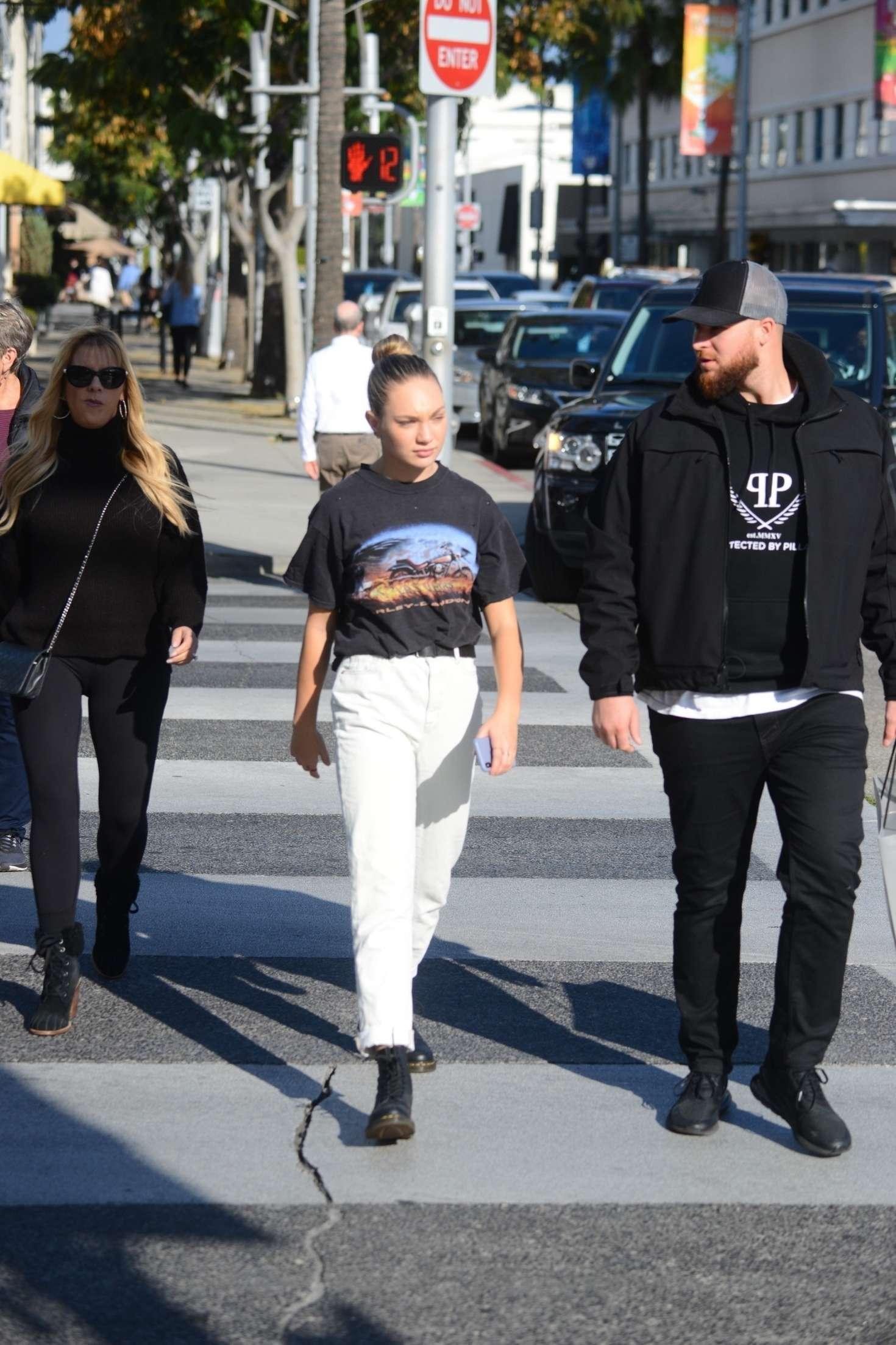 Maddie Ziegler 2018 : Maddie Ziegler: Shopping in Los Angeles -06
