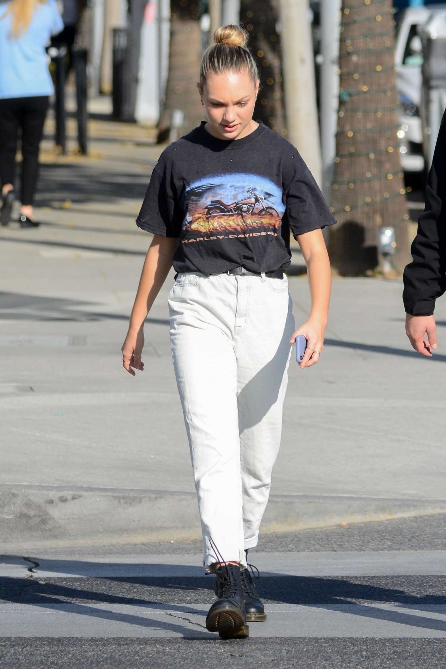 Maddie Ziegler 2018 : Maddie Ziegler: Shopping in Los Angeles -07