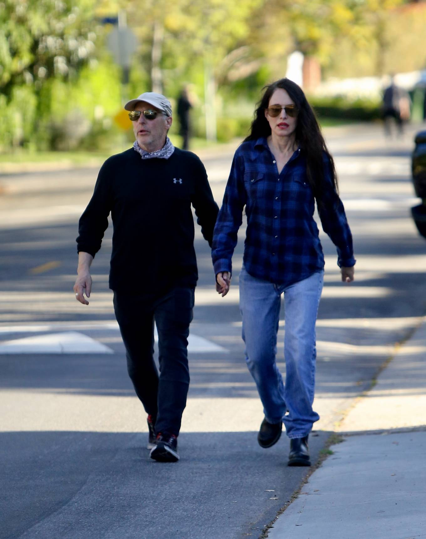 Madelaine Stowe - Out for a stroll with husband Brian Benben in Pacific Palisades