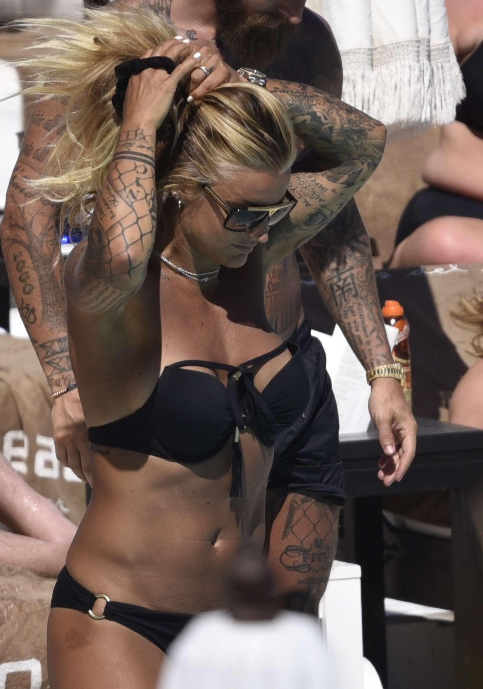 Bikini Madeleine Vall Beijner nude (53 foto and video), Ass, Bikini, Instagram, underwear 2018