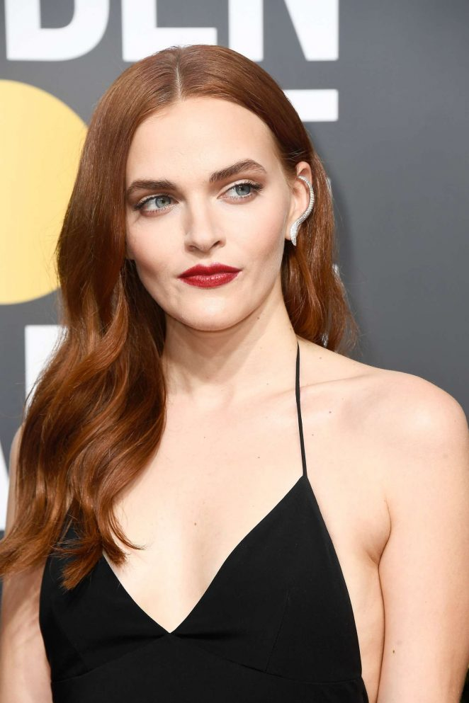 Madeline Brewer Nude Photos 30