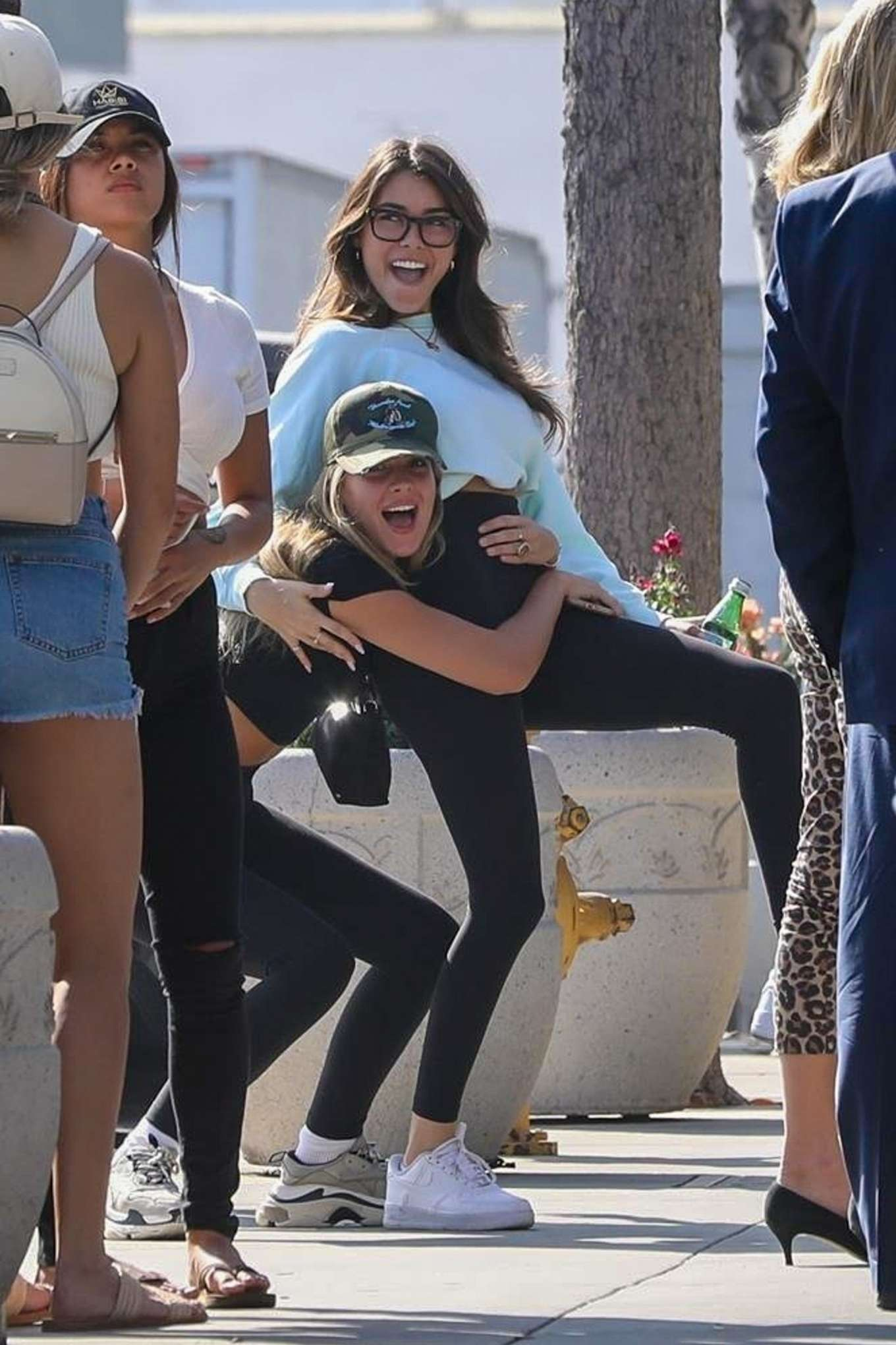 Madison Beer 2019 : Madison Beer and Isabella Jones – Out for lunch in Los Angeles-10