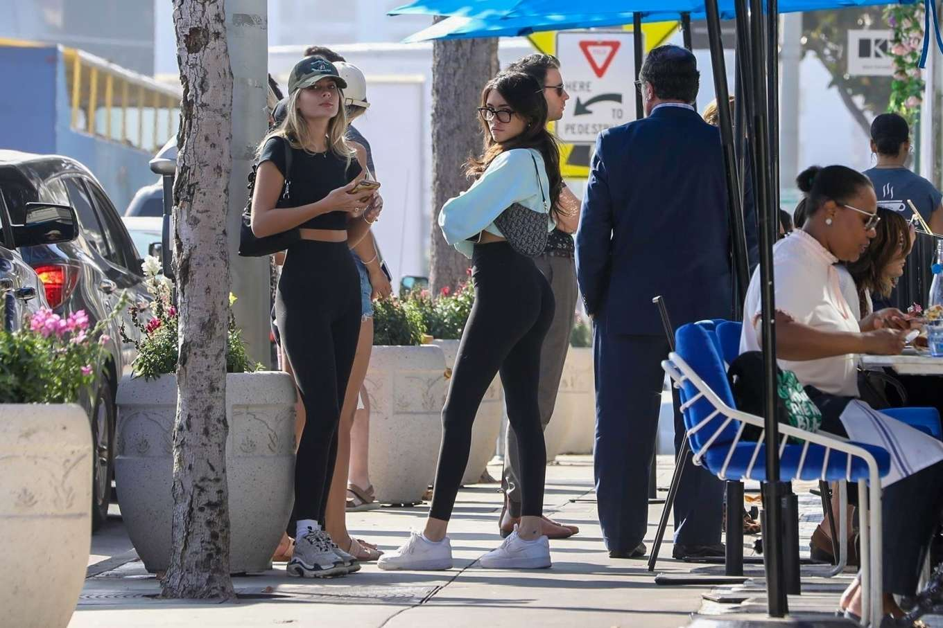 Madison Beer 2019 : Madison Beer and Isabella Jones – Out for lunch in Los Angeles-28