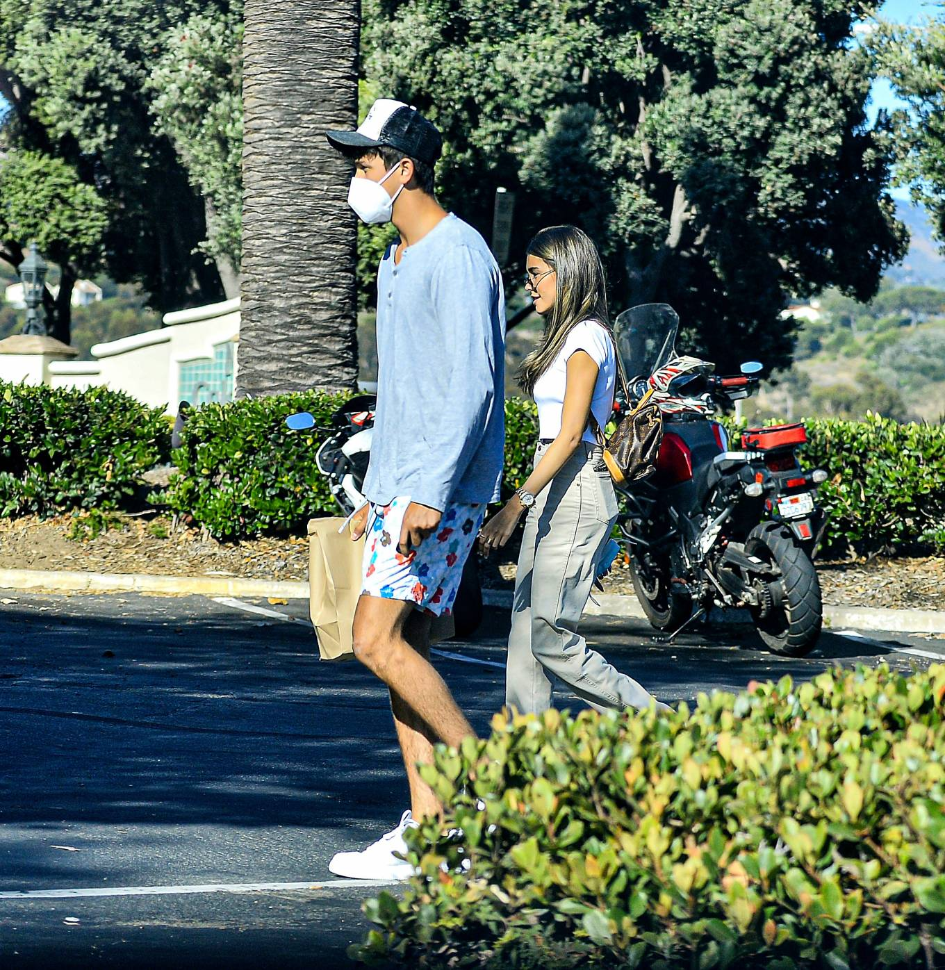 Madison Beer - Go for Sushi lunch in Calabasas