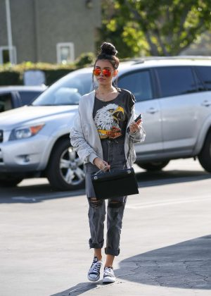 Madison Beer heads to Mauro's Cafe in West Hollywood
