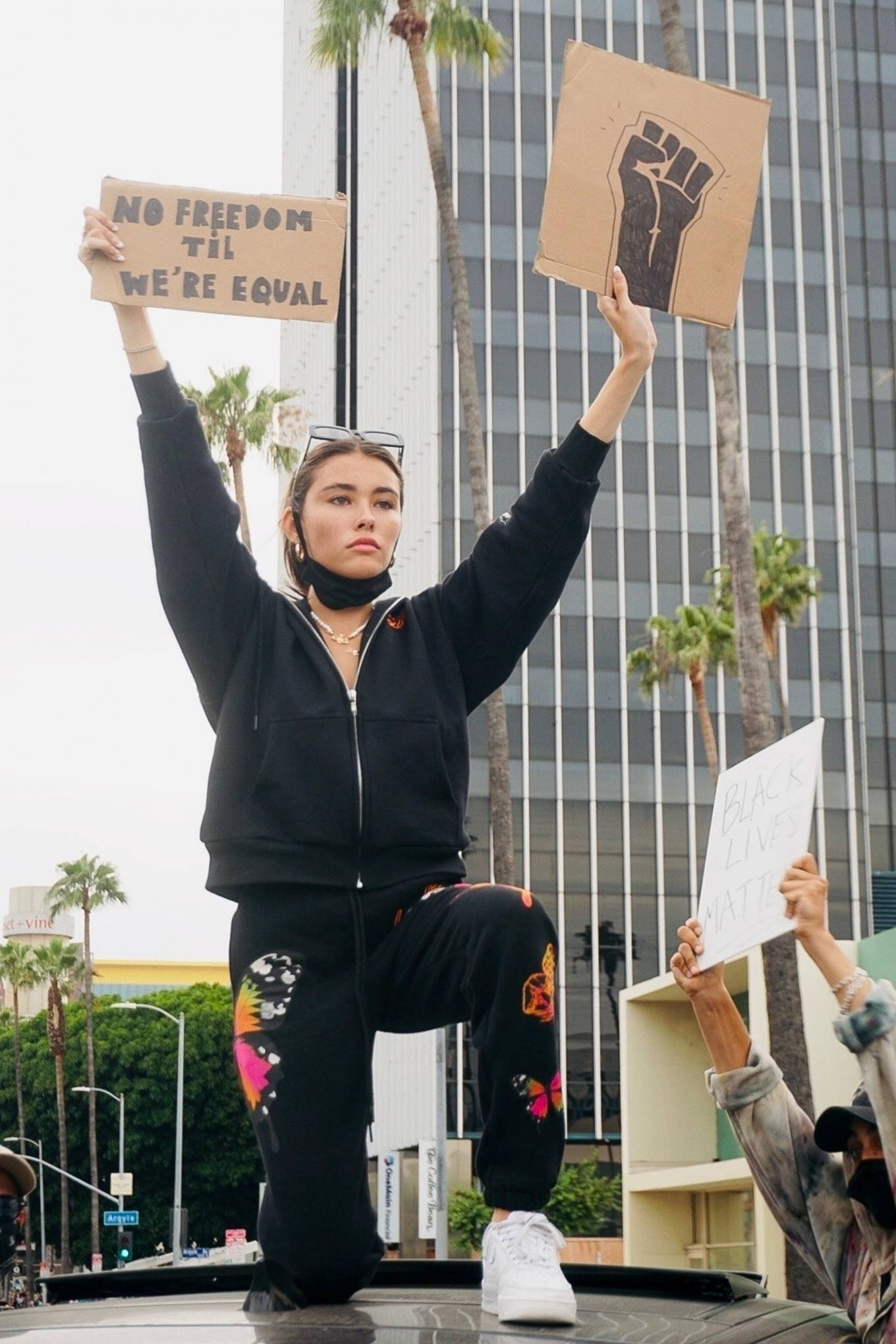 Madison Beer - Joins the protests against the killing of George Floyd in Los Angeles