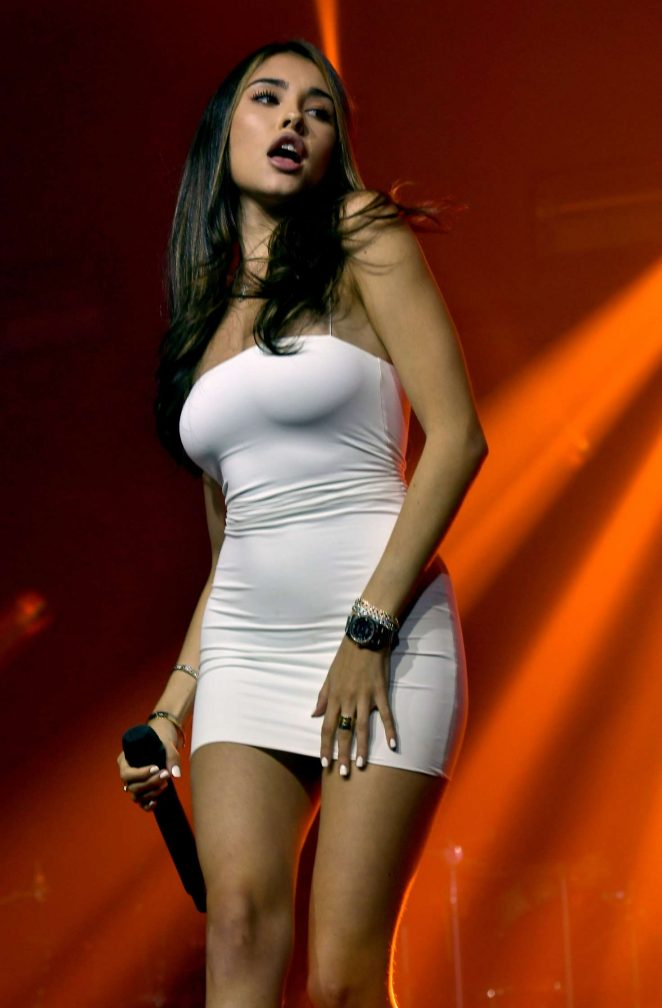 Madison Beer - Performs at Fontainbleau in Miami