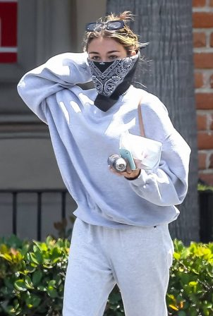 Madison Beer - Picks up a few essentials at CVS in Malibu