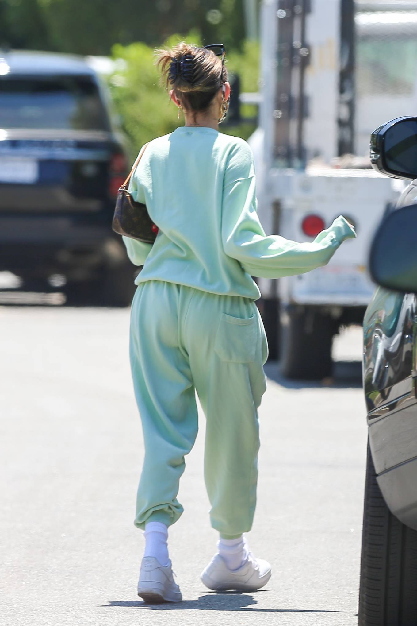 Madison Beer - Seen at her new home in Los Angeles