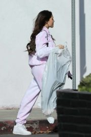 Madison Beer - Shopping candids in Los Angeles