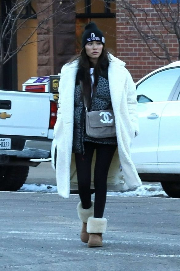 Madison Beer - Shopping in Aspen