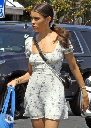 Madison Beer - Shopping in Los Angeles