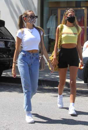 Madison Beer - Spotted out with friends in Los Angeles