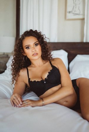Madison Pettis - Savage x Fenty Collection 2020
