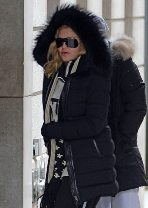 Madonna Arrives at Kabbalah Center with family in New York City