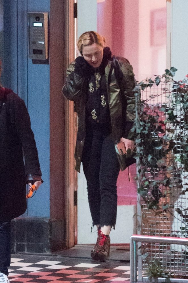 Madonna - Leaves a recording studio in London