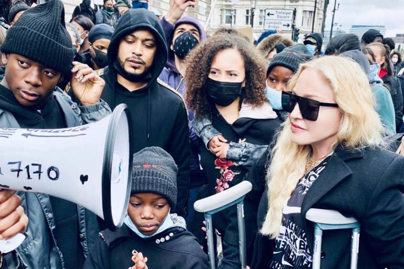 MADONNA 2020 : Madonna – Protest in London-04