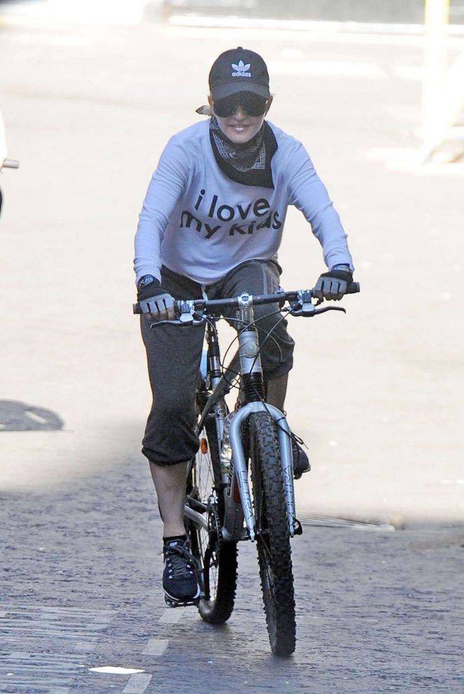 Madonna – Riding her bicycle in London