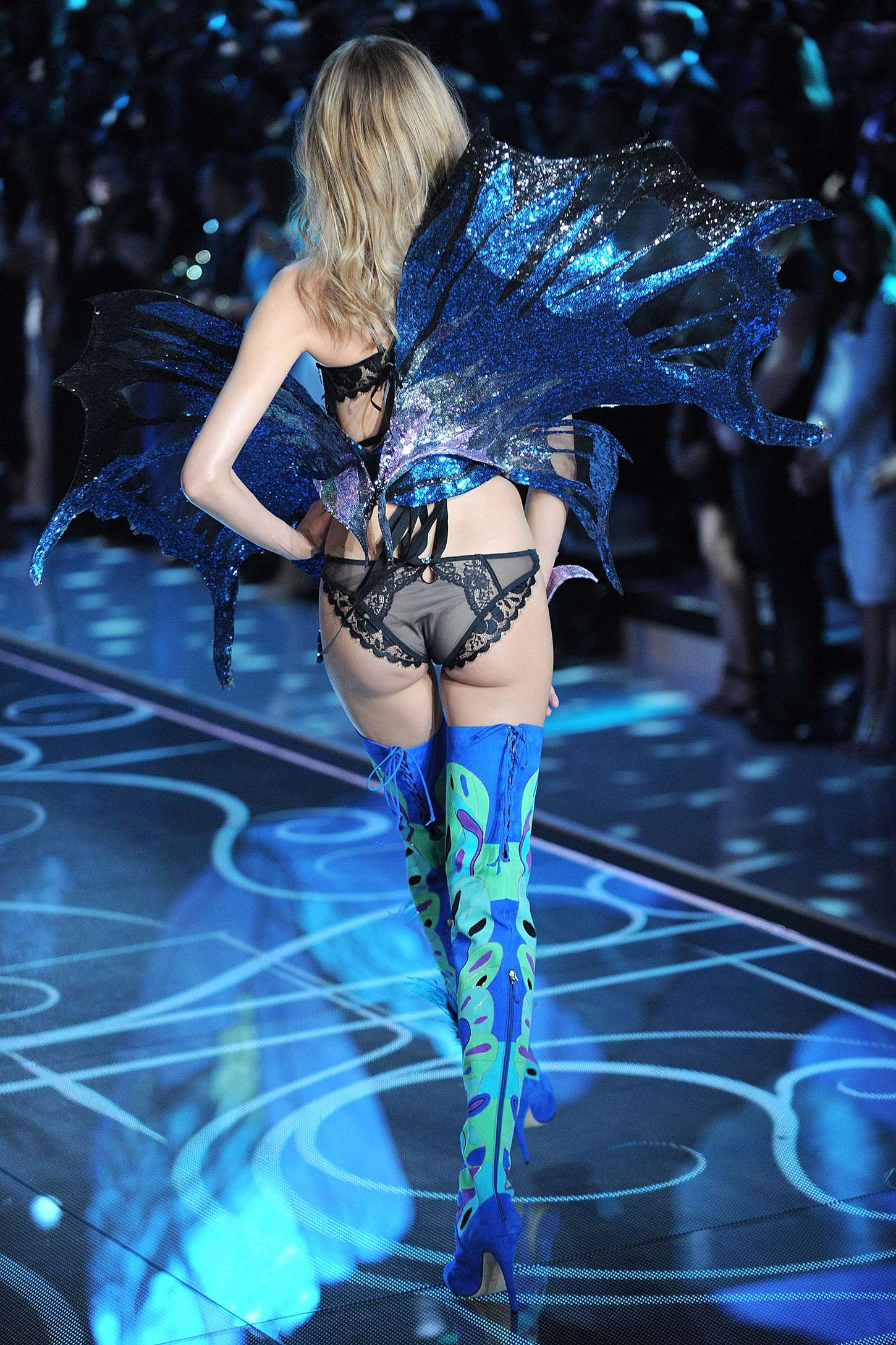 Magdalena Frackowiak: 2015 Victorias Secret Fashion Show ...
