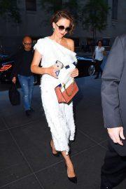 Maggie Gyllenhaal - Arriving at 30 Rockefeller Plaza in New York