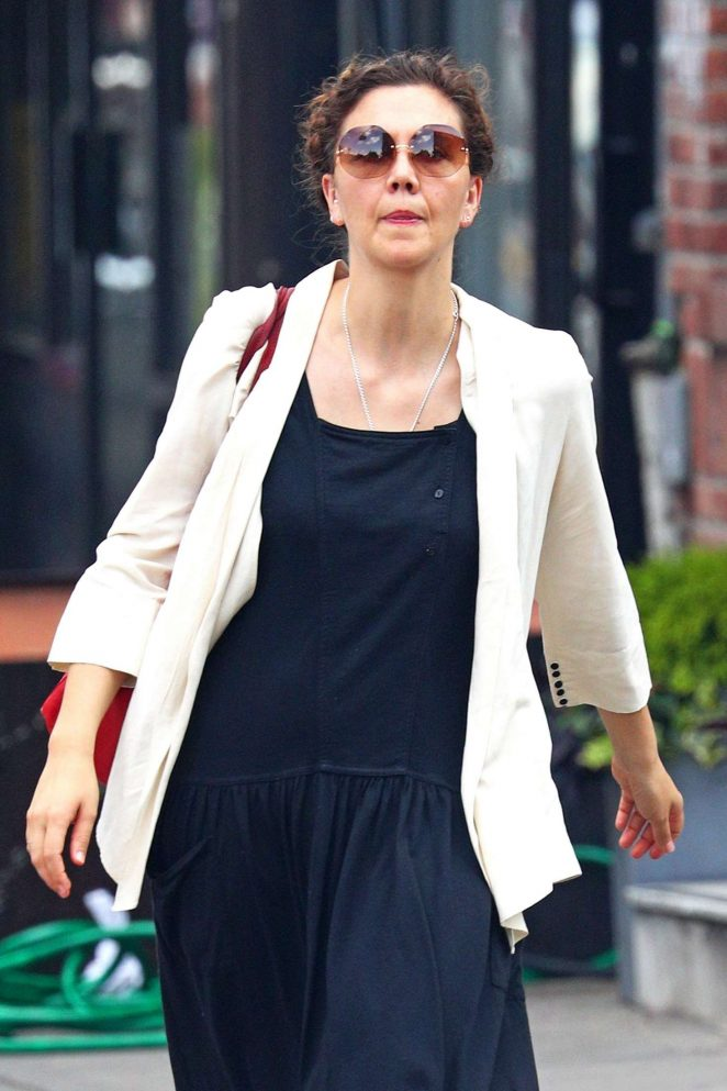 Maggie Gyllenhaal – Out for shopping in Soho