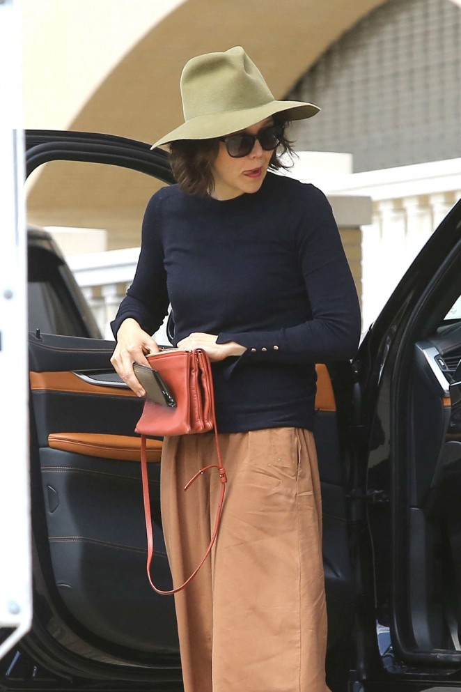 Maggie Gyllenhaal Shopping at Barneys New York in Beverly Hills
