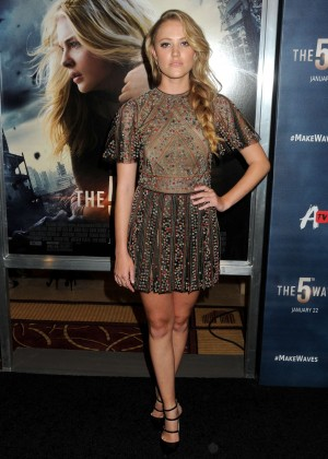 Maika Monroe - 'The 5th Wave' Premiere in Los Angeles