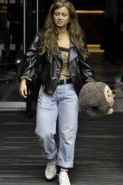 Maisie Smith - Soap Stars exit their hotel in Manchester