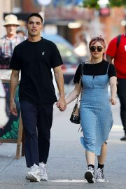 Maisie Williams and Reuben Selby on a stroll thru SoHo
