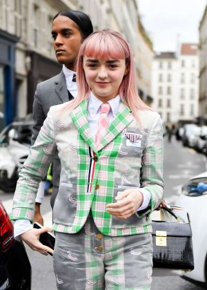 Maisie Williams - Arrives at the Thom Browne Show in Paris