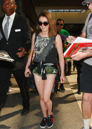 Maisie Williams in Shorts at LAX -10