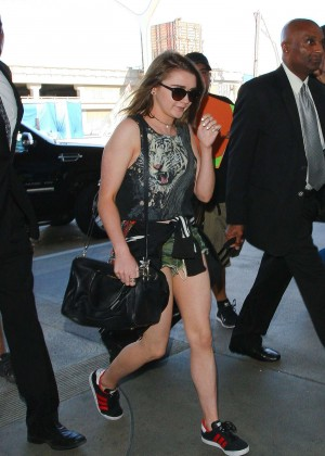 Maisie Williams in Shorts at LAX -13
