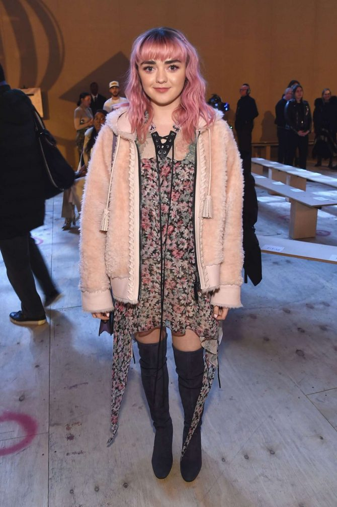 Maisie Williams – Coach Fashion Show in NYC