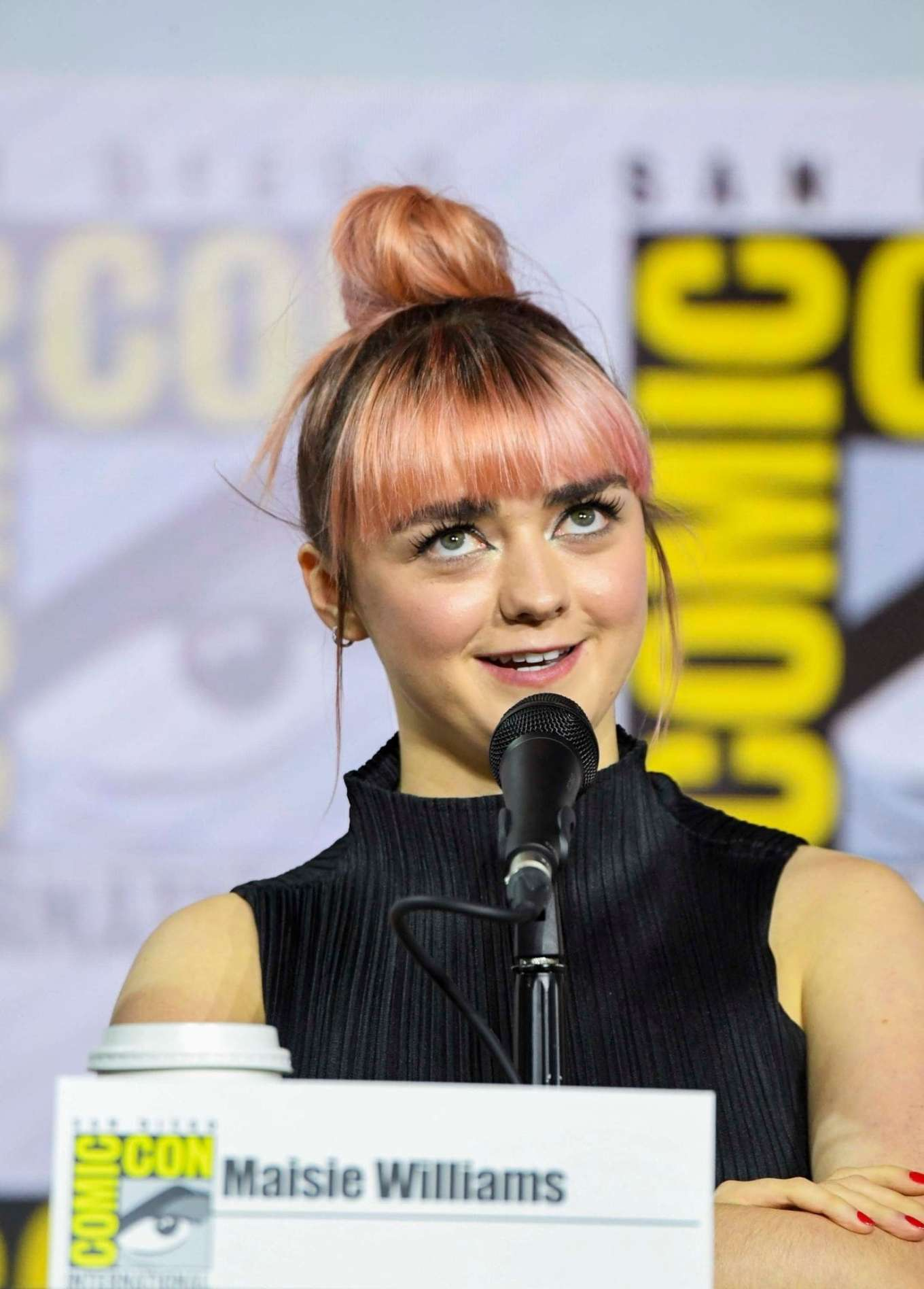 Maisie Williams 2019 : Maisie Williams – Game of Thrones Panel at Comic Con San Diego 2019-11
