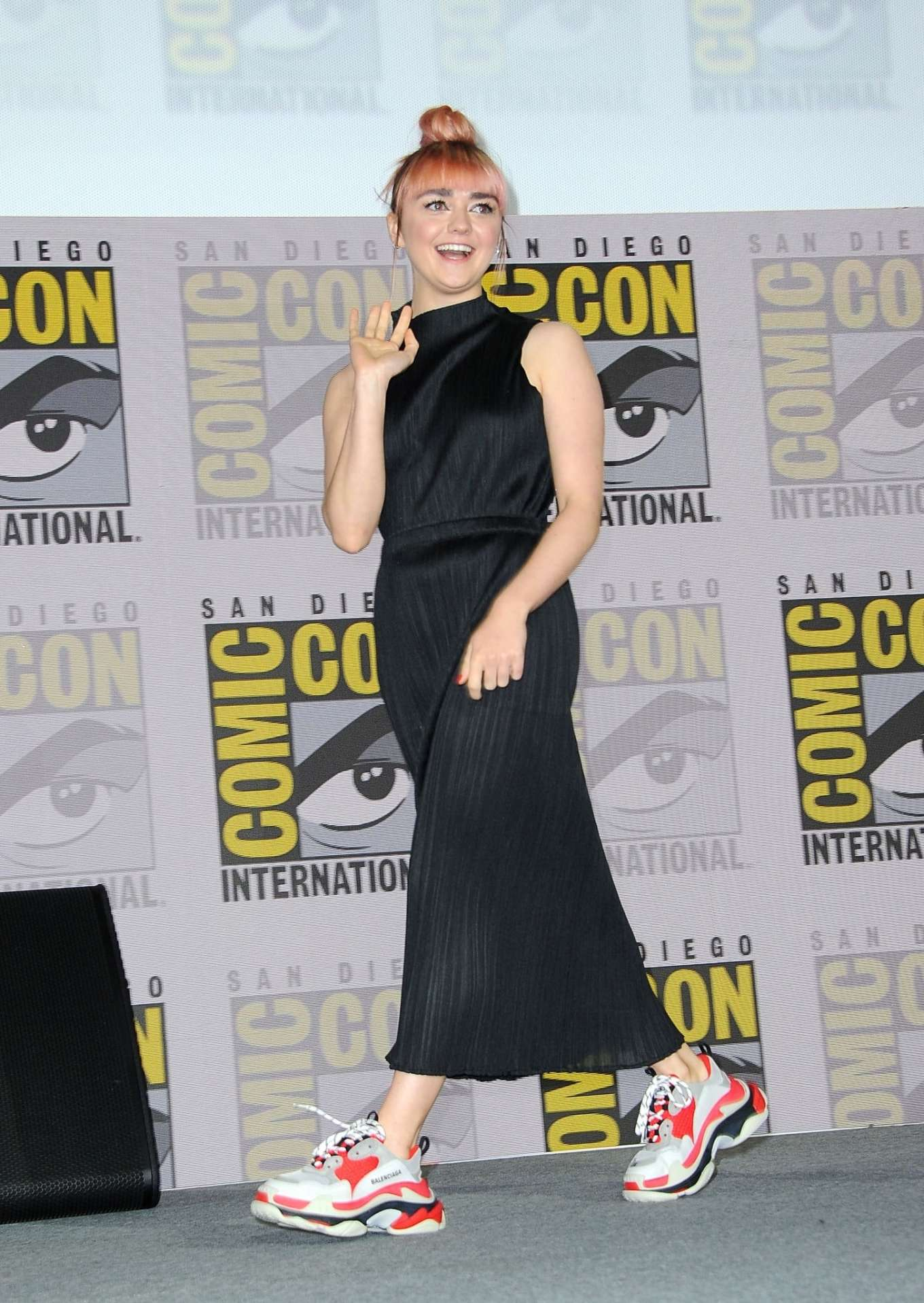 Maisie Williams 2019 : Maisie Williams – Game of Thrones Panel at Comic Con San Diego 2019-16
